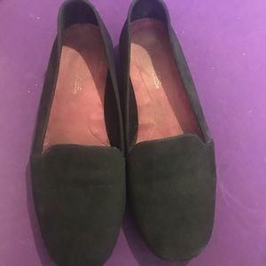 Aerosoles black suede loafers